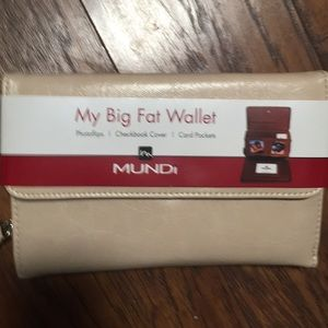 Mundi Multiple compartment wallet